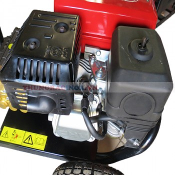 Máy rửa xe cao áp chạy bằng xăng